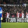 Feyenoord-Roma, lancio di oggetti dei tifosi dagli spalti FOTO (2) - Copia