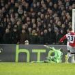 Feyenoord-Roma, lancio di oggetti dei tifosi dagli spalti FOTO (5) - Copia
