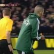Feyenoord-Roma, lancio di oggetti dei tifosi dagli spalti FOTO (9) - Copia