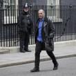 Yanis Varoufakis, il tour europeo senza cravatta del ministro delle Finanze greco5