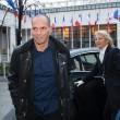 Yanis Varoufakis, il tour europeo senza cravatta del ministro delle Finanze greco04