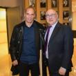 Yanis Varoufakis, il tour europeo senza cravatta del ministro delle Finanze greco05