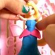 YouTube: Melissa Lima regina scartando giocattoli 11