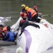 Taiwan, aereo TransAsia precipita nel fiume dopo decollo17