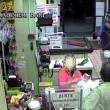 Bari, sorvegliato speciale rapina supermercato con pistola e casco3