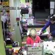 Bari, sorvegliato speciale rapina supermercato con pistola e casco04