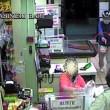 Bari, sorvegliato speciale rapina supermercato con pistola e casco05