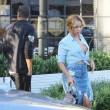 Beyonce passeggia senza reggiseno a West Hollywood13