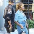 Beyonce passeggia senza reggiseno a West Hollywood12
