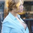 Beyonce passeggia senza reggiseno a West Hollywood07
