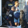Beyonce passeggia senza reggiseno a West Hollywood04