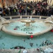 Ultras Feyenoord, Barcaccia di piazza di Spagna devastata a Roma FOTO 20