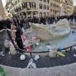 Ultras Feyenoord, Barcaccia di piazza di Spagna devastata a Roma FOTO 32