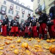 Carnevale Ivrea, la battaglie delle arance12