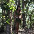 Isola dei Famosi 2015, Cecila Rodriguez nuda si copre con foglie di palma FOTO
