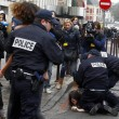 "Francia, ""agguato"" a seno nudo delle Femen a Strauss-Kahn06"