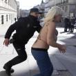 Spagna, Femen protestano a seno nudo contro la legge sulla sicurezza FOTO