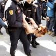 Spagna, Femen protestano a seno nudo contro la legge sulla sicurezza FOTO05