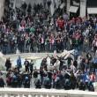 VIDEO Youtube: ultras Feyenoord a Roma occupano piazza di Spagna, nuovi scontri polizia