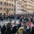 VIDEO Youtube: ultras Feyenoord a Roma occupano piazza di Spagna, nuovi scontri polizia