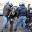 VIDEO Youtube: ultras Feyenoord a Roma, scontri a piazza di Spagna FOTO