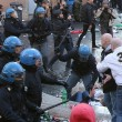 VIDEO Youtube: ultras Feyenoord a Roma, scontri a piazza di Spagna FOTO