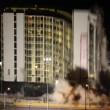 Las Vegas, la spettacolare demolizione dell'Hotel Clarion11