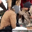 Isis lega gay a sedia e lo butta dal settimo piano FOTO 5