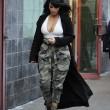 Kim Kardashian super-scollata e sexy malgrado il gelo di New York20