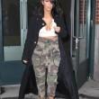 Kim Kardashian super-scollata e sexy malgrado il gelo di New York10