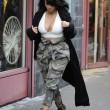Kim Kardashian super-scollata e sexy malgrado il gelo di New York18