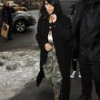 Kim Kardashian super-scollata e sexy malgrado il gelo di New York13