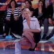 Isola dei famosi, Alessia Marcuzzi hot in minigonna FOTO 3