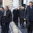 """Mattarella Presidente va a messa a piedi. Alle suore: """"Pregate per me"""" FOTO 11"""