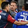Samp-Genoa, Sinisa Mihajlovic prende Regini per il collo a fine partita VIDEO4