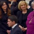 Lucia Annibali, Papa Francesco saluta in Vaticano donna sfregiata da acido 02