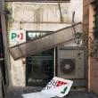 Roma, circolo Pd Trastevere: danneggiata tettoia e insegna esterna 02