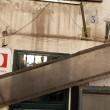 Roma, circolo Pd Trastevere: danneggiata tettoia e insegna esterna