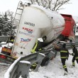 Maltempo Basilicata: autocisterna sbanda per neve a Potenza10