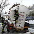 Maltempo Basilicata: autocisterna sbanda per neve a Potenza09