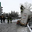 Maltempo Basilicata: autocisterna sbanda per neve a Potenza08