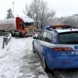 Maltempo Basilicata: autocisterna sbanda per neve a Potenza06