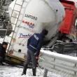 Maltempo Basilicata: autocisterna sbanda per neve a Potenza05