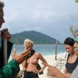 Isola dei Famosi, Rachida vs Cristina Buccino e altre. Sfogo con Rocco Siffredi3