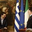 Renzi regala una cravatta a Tspiras. Lui risponde con un cd FOTO
