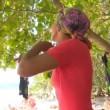 Isola dei famosi, Rocco Siffredi prova a far spogliare Rachida? 4