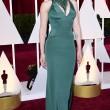 Scarlett Johansson agli Oscar 2015 con i capelli rasati sulle tempie10