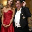 Elisabetta Canalis resta a seno nudo durante ballo a Vienna 01
