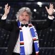 VIDEO YouTube - Sanremo 2015, Massimo Ferrero canta Vita Spericolata 08