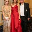 Elisabetta Canalis resta a seno nudo durante ballo a Vienna 02